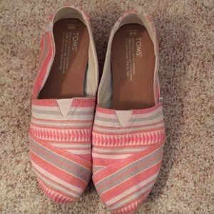 Cute pink toms